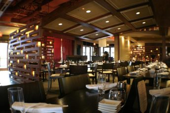 Dragonfly_Grill_and_Sushi_restaurants_american_vacation_living_orlando-345x230 - disney