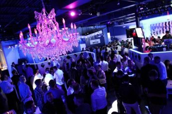 IceBar_Orlando_lounges_night_club_america_vacation_living-345x230 - disney