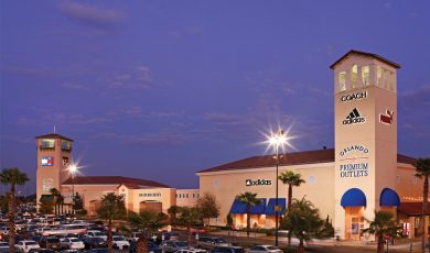 Premium_Outlets_shopping_americanvacation_living_orlando-390x230 - disney